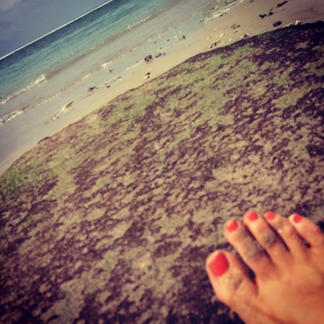Toes in paradise 🌴🌊☀️👡 #lembongan #bali  (at Lembongan Island)