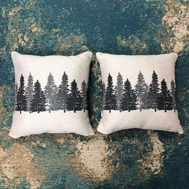 ✨Holiday Pillow Giveaway✨  Enter to win these limited edition holiday Revolution pillows!  How to win :  1) Like this post  2) Tag someone in the comments who needs Revolution Fabrics .  3) Bonus points if you follow @brentwoodtextiles 🙌  Winner will be announced next week !  #jacquard #madeintheusa🇺🇸 #performancefabric #upholsteryfabric #interiordesign #textiledesign