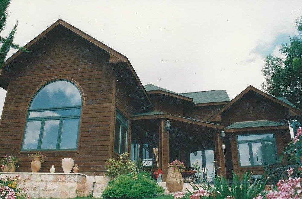 custom houses.jpg
