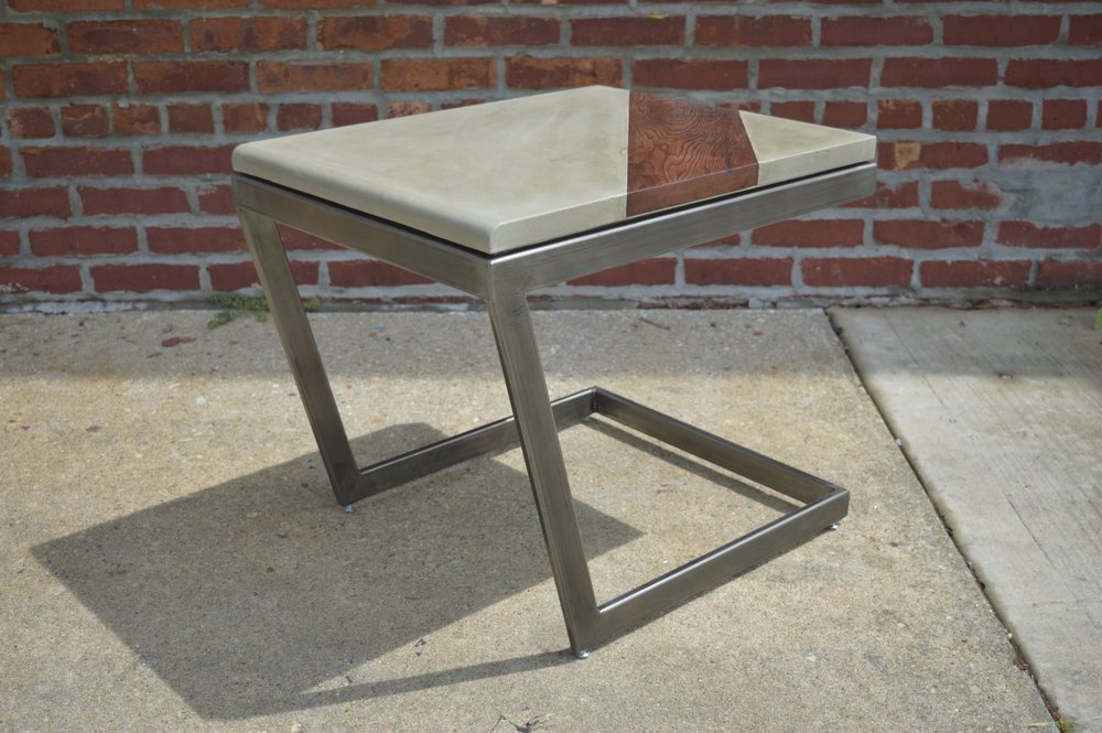 """""""Momentum"""" Side Table"""