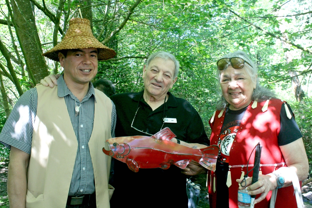 Left to right: Ed Hall, Councillor, Kwikwetlem First Nation; Len Meneghello, honoured reitiree of HSWS; and Beverley Mrockowski, Elder, Kwikwetlem First Nation (Photo: Robbin Whachell / HSWS)