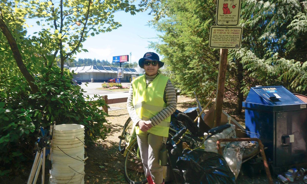 Dulce during our Scott Creek cleanup in 2015.