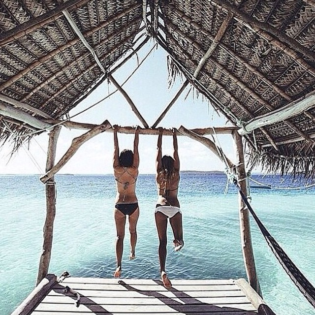 Who will you swing with!? 👯🌊