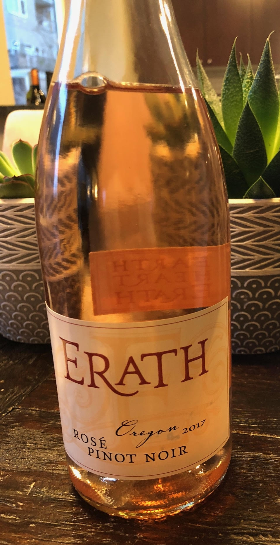 Erath 2017 Rose.jpg