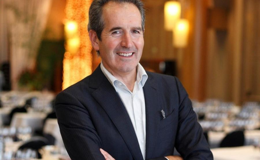 Agustín Santolaya serves as the talented winemaker behind Bodegas Roda wines.