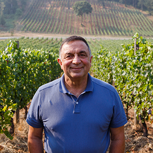 Great photo here of one of Oregon wine's iconic figures, Moe Momtazi.