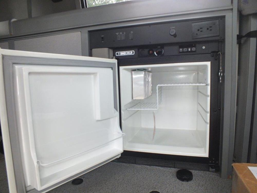 seller-99+eurovan+camper+sides++interior+only+013.jpg