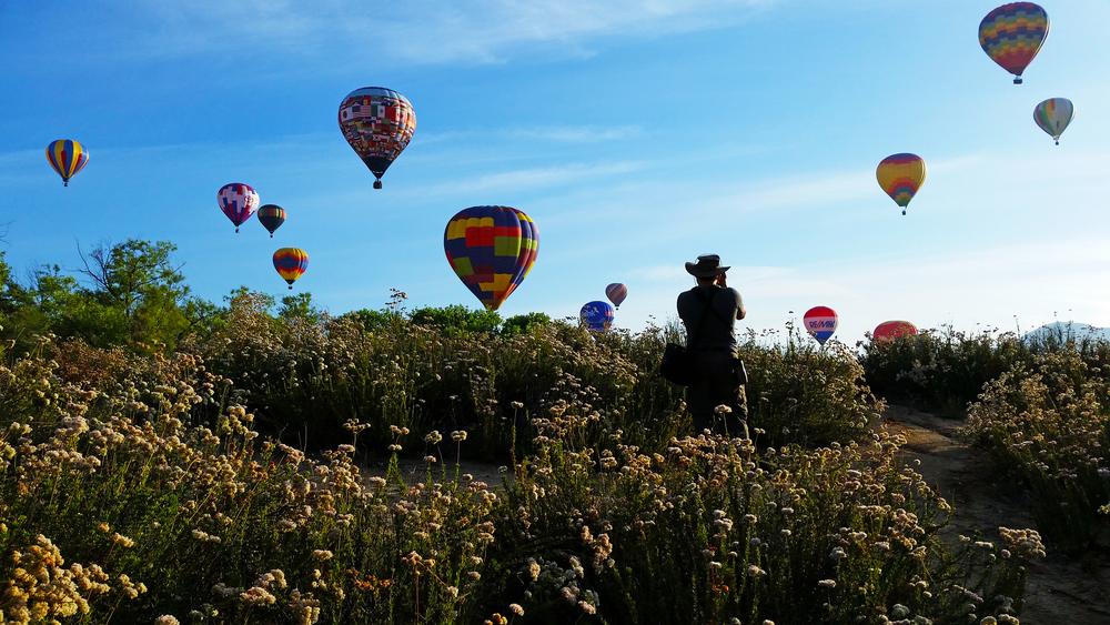 Image Hero's Jonathen E. Davis photographing the Temecula Valley Balloon and Wine Festival.