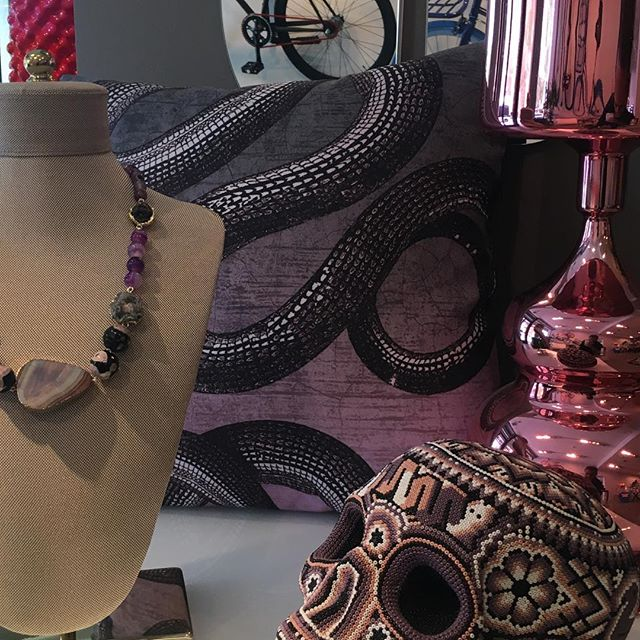 Shades of purple at @studio.695 stop by and check this and more home decor and very well curated accessories. . . . #apartment415 #pillows #decor #design #style #interiors #fashion #purple #color #decoration #snake #snakeprint #skull #shopping #styling #sfstlye #cdmx #mexico #mexicocity