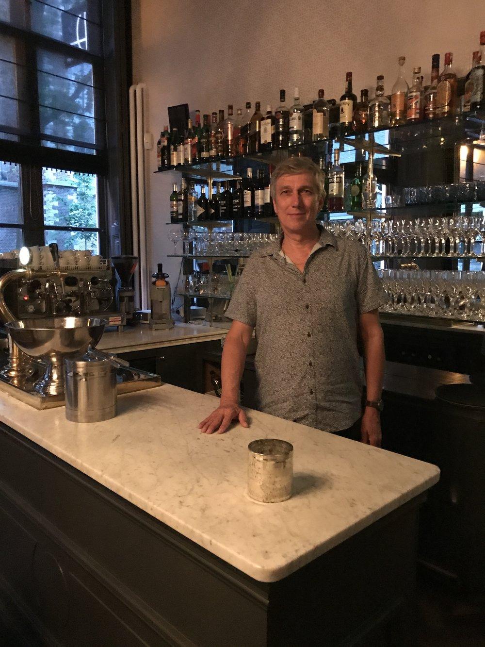 Tony behind the bar at the Printenkabinet Restaurant ...