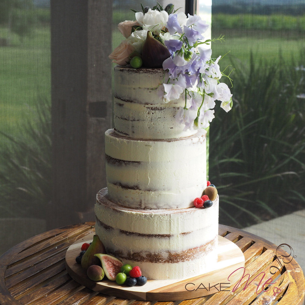 Our cake sitting majestically in front of the amazing view of the Yarra Valley.