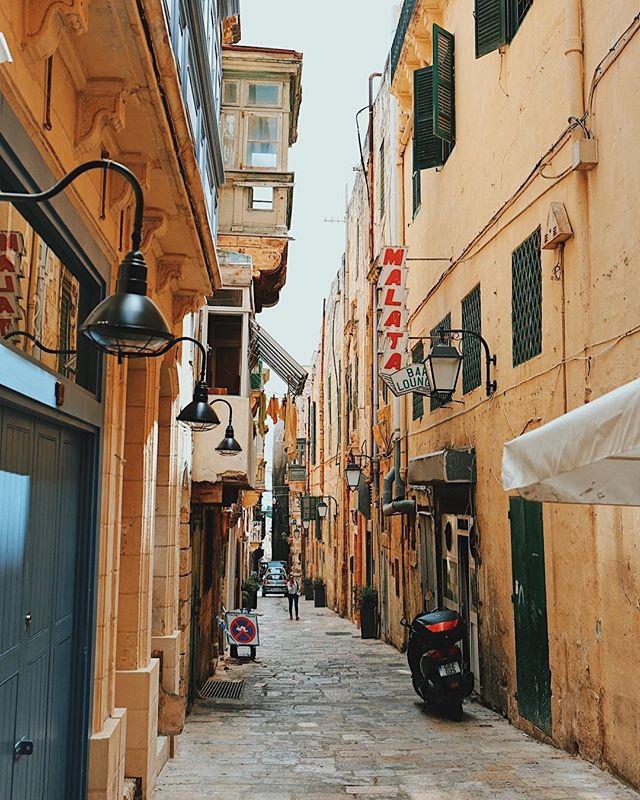 Valetta laneway