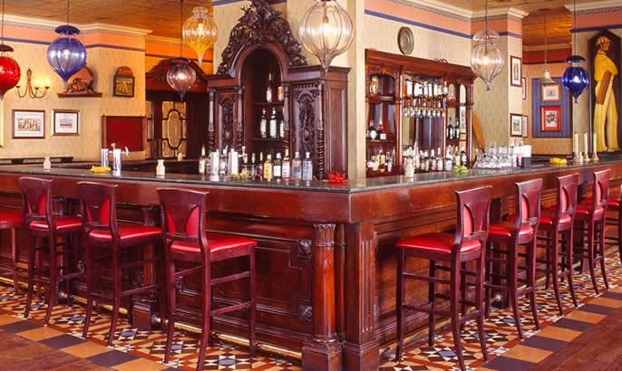 bahamas bar 3.jpg