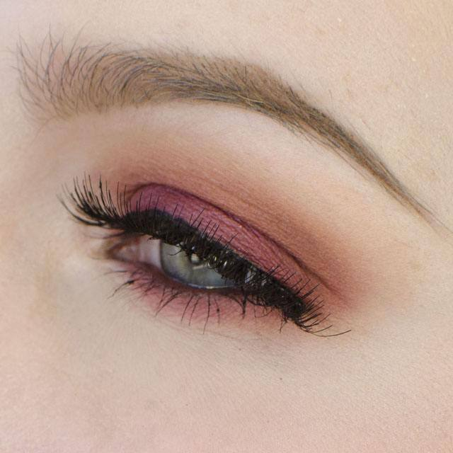 Warm and Burgundy Eyeshadow with Nude Lips