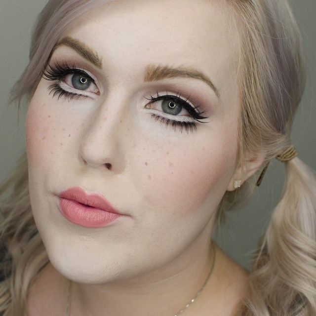 Porcelain Doll Halloween Makeup Tutorial