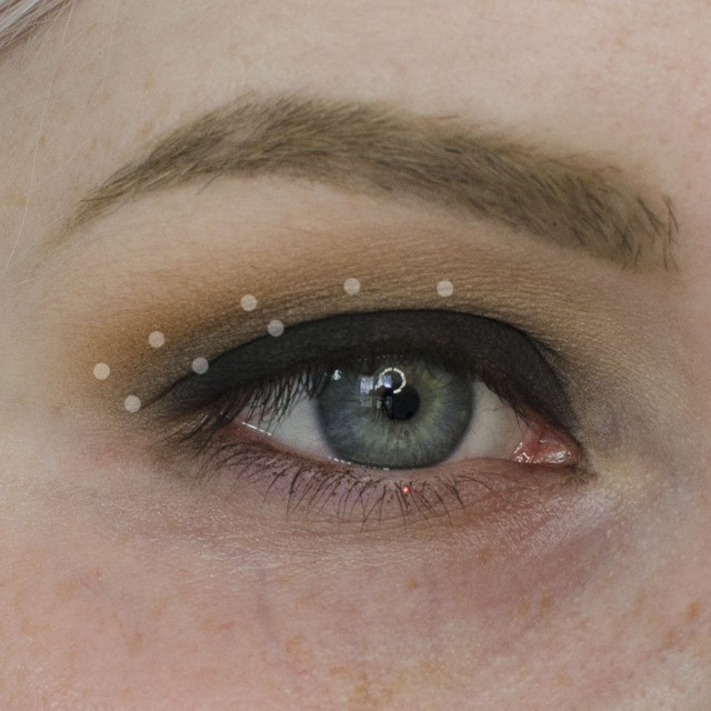 Grungy Black and Camel Eyeshadow Tutorial