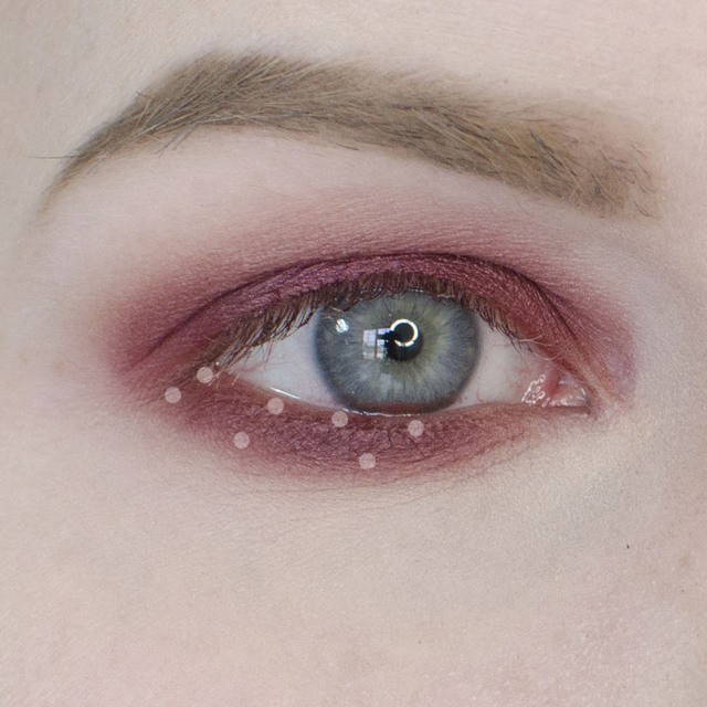 How To Apply An Easy Cranberry Eyeshadow Tutorial Rebeccashoresmua