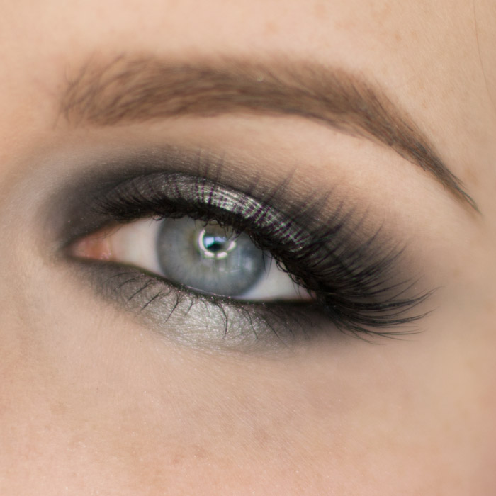 Black and Silver Halo Eyeshadow Look