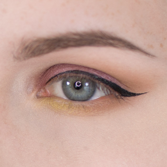 Batalash Palette Purple with Green Accent Eyeshadow Tutorial