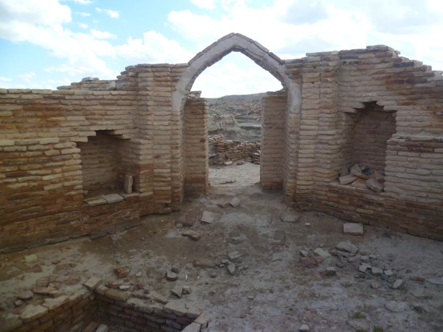 Ruins in Sauran, by Ciarán Lavelle