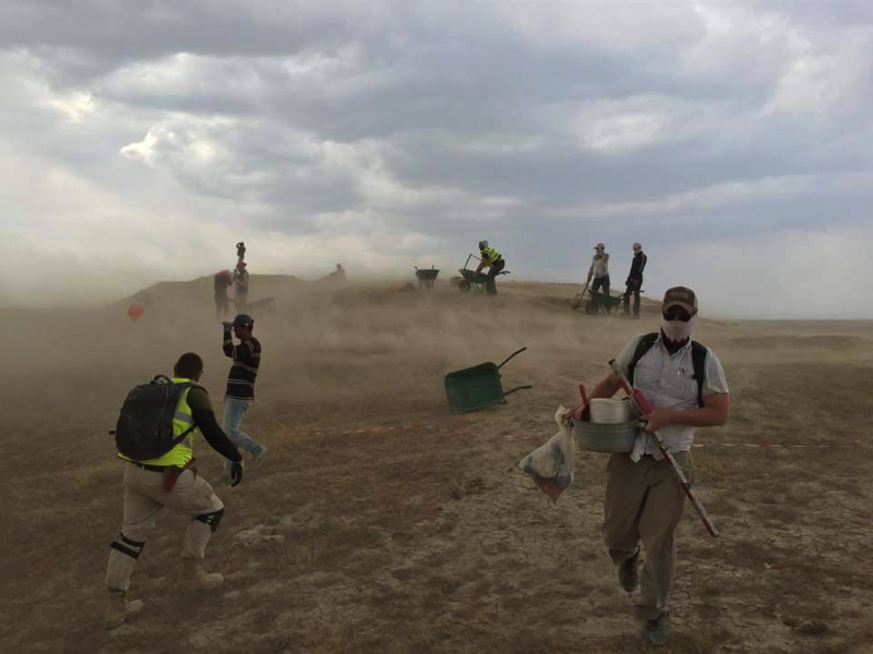 Sand storm on site, by John Fisher