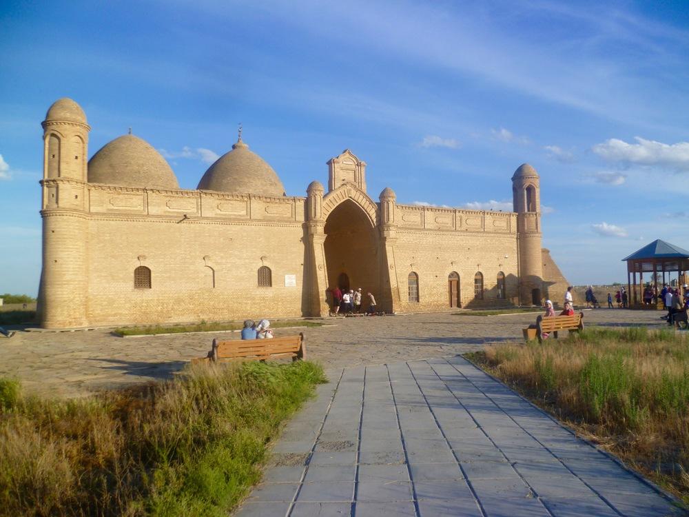 Aristan Bab mausoleum.jpg