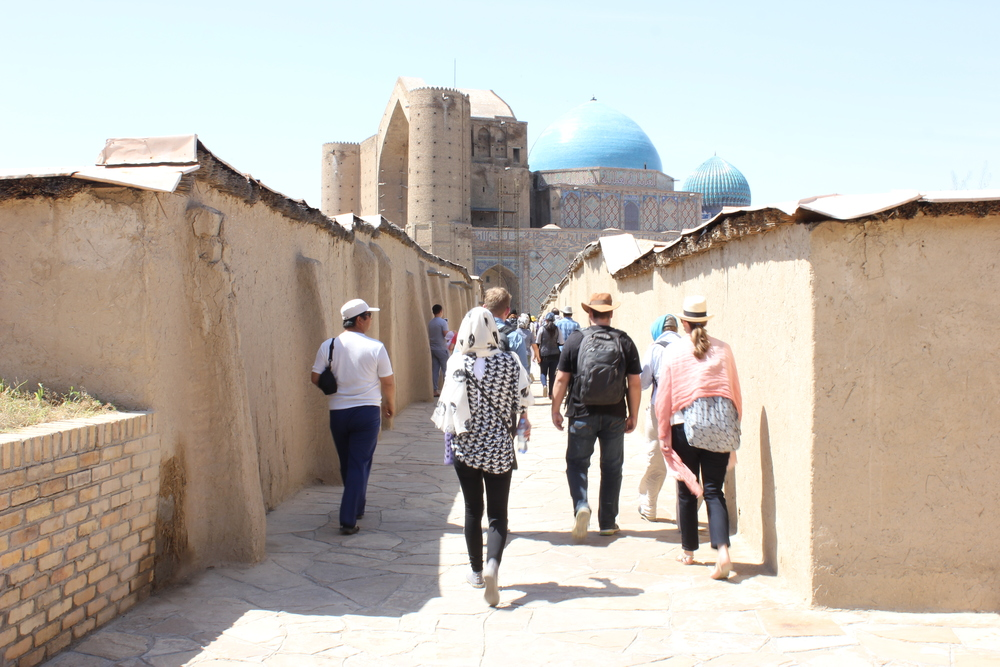 UCLQ students on their way to the Mausoleum of Khwaja Ahmad Yasavi in Turkistan.