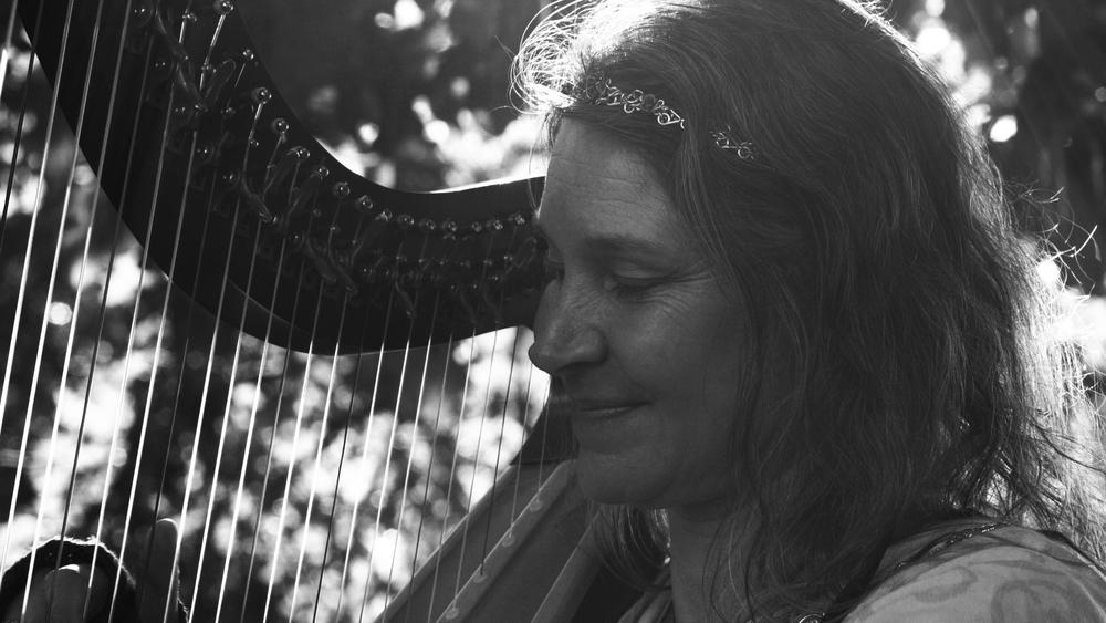 Harpist MS BW.jpg