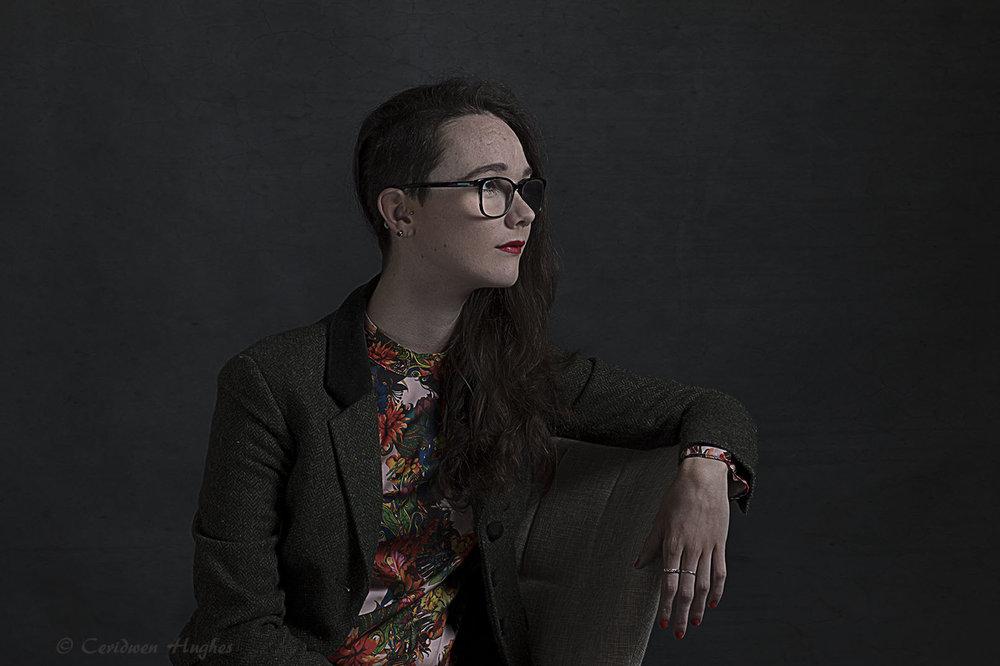 Phoebe portrait s.jpg