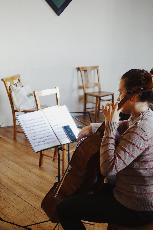 Cellist Hannah Sloane