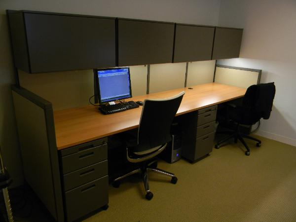 workstation with Steelcase Aviner
