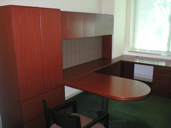 Knoll Reff D-top Desks Big inventory now in liquidation.