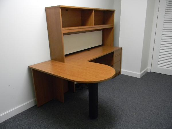 54in_D-top_desk_with_48in_return_and_bookcase_hutch-600x450.jpg