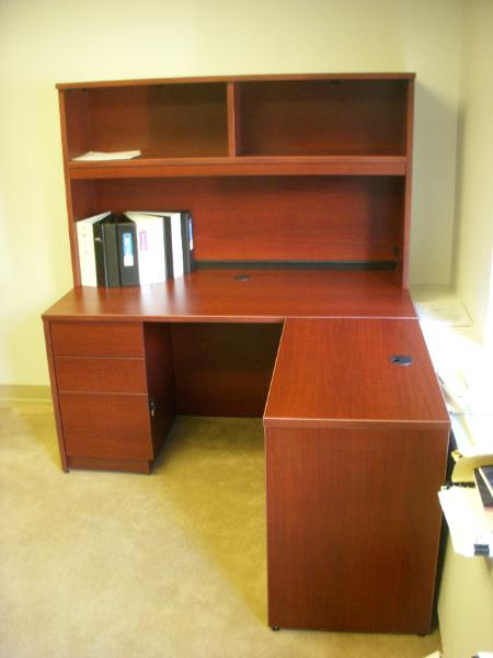 desk_with_hutch-450x600.jpg