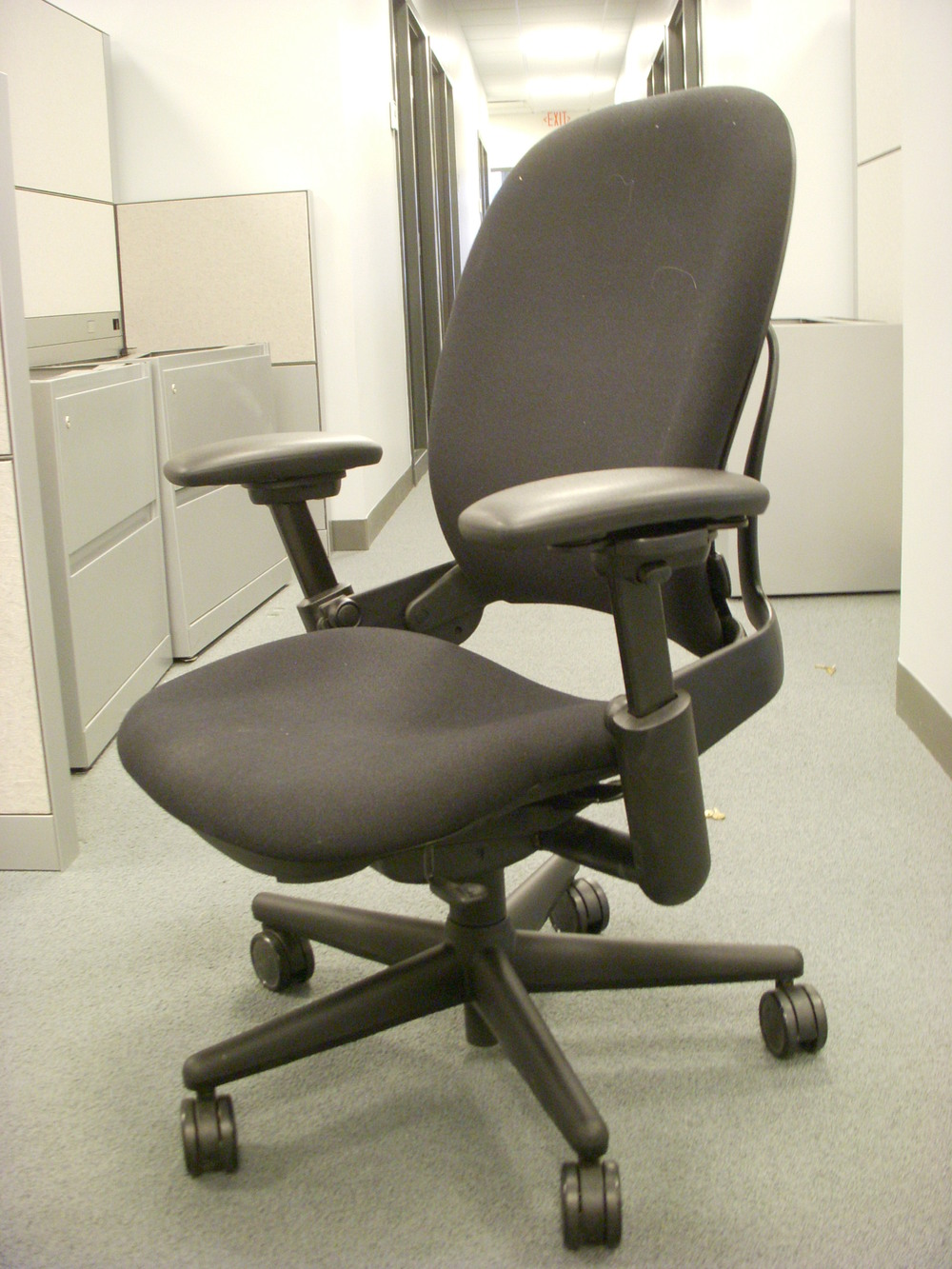 Steelcase  V1  leap chairs in Black.