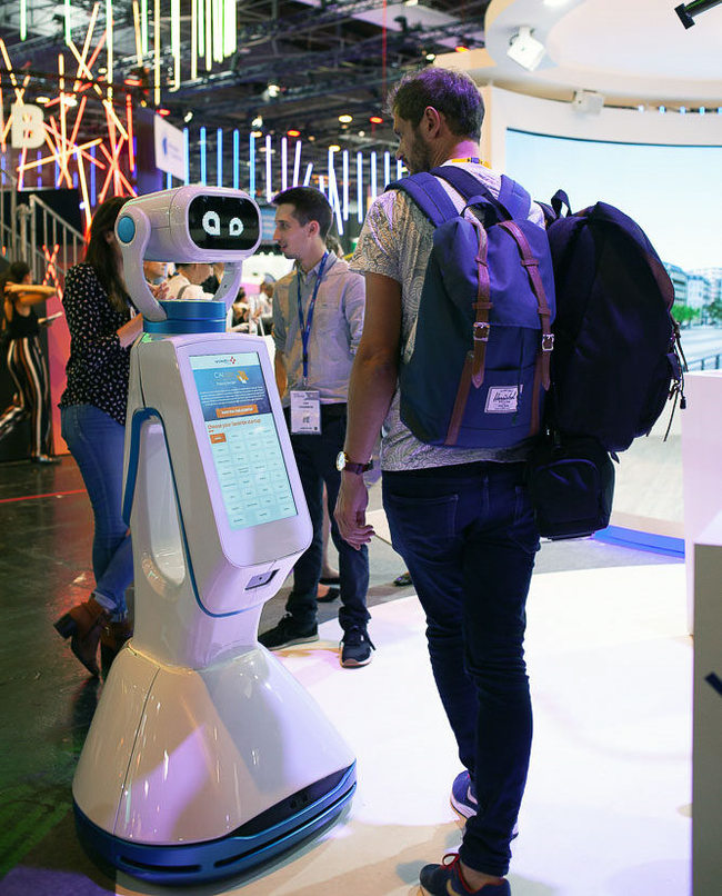 robot Hease.jpg