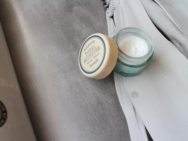 benefit-total-moisture-facial-cream-danielletc-2.jpg
