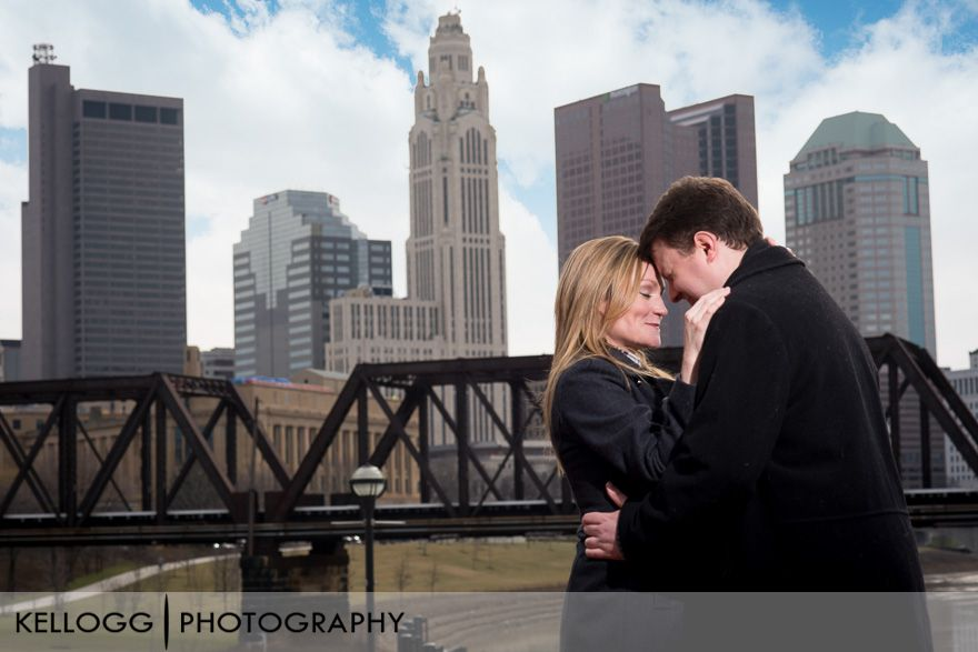 Downtown-Columbus-engagement-1.jpg