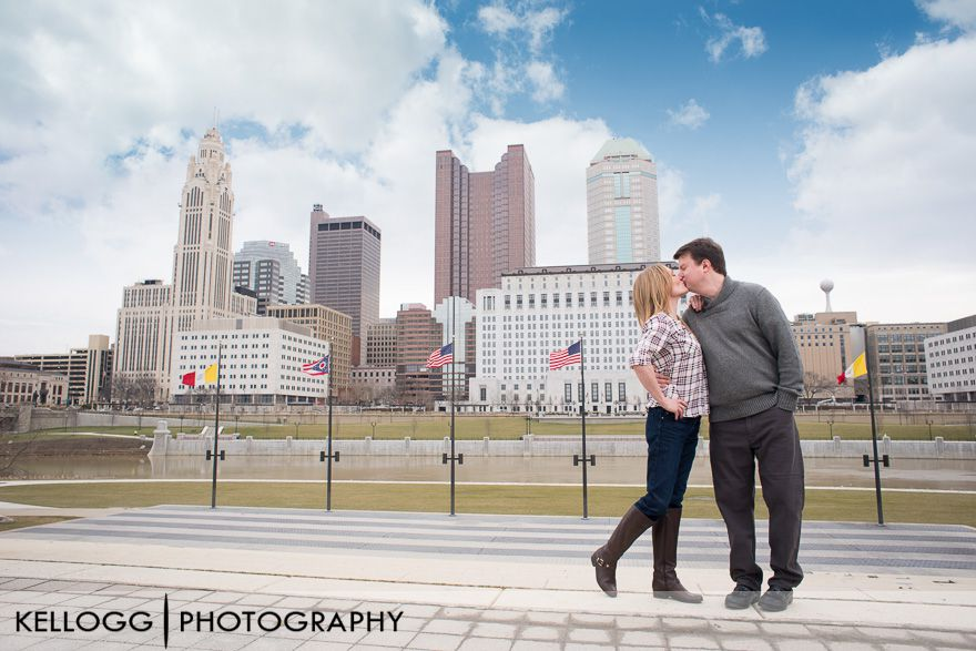 Downtown-Columbus-engagement-4.jpg