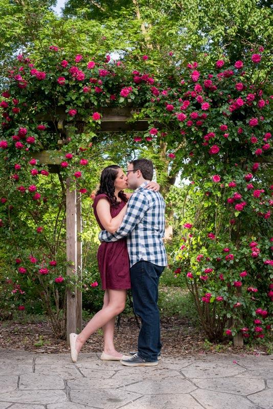 Columbus-Ohio-Engagement-Park-of-Roses