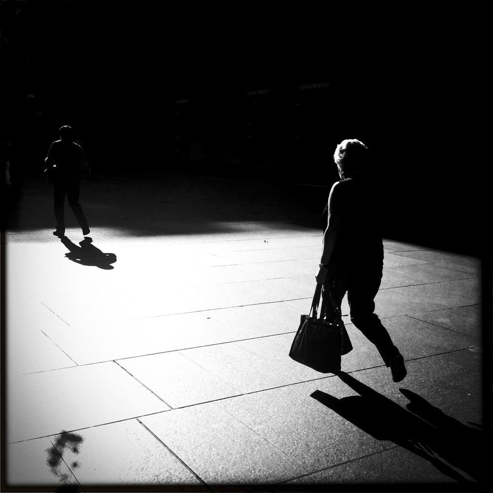the photographer in a game of shadows