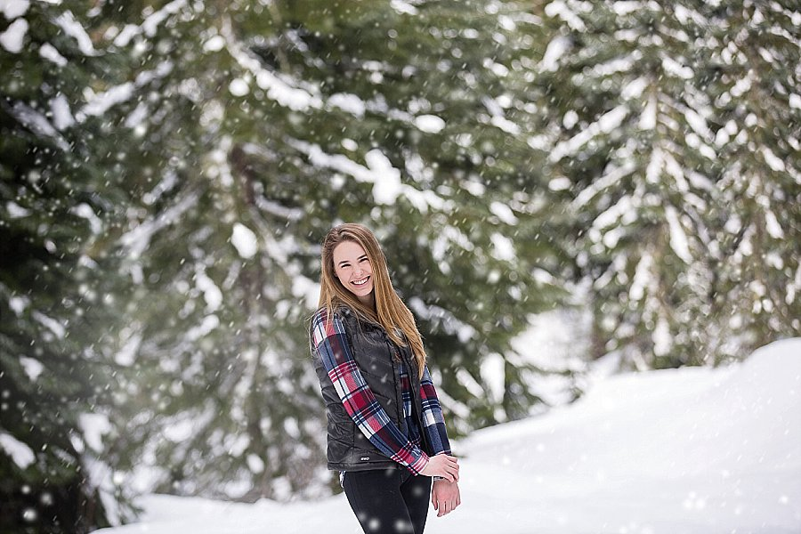 Corvallis Senior Portraits in the Snow-2.jpg