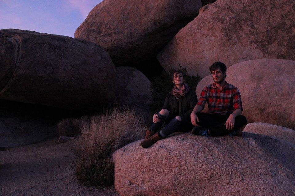 sibling shoot in Joshua Tree