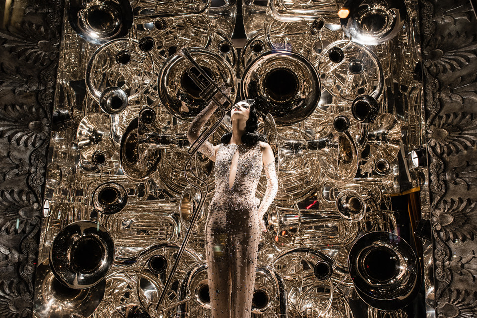 2014 HOLIDAY WINDOW AT BERGDORF GOODMAN. PHOTO CREDIT: KEN HAMM