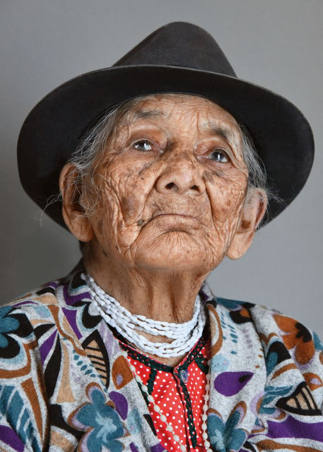 Maria Luisa Medina from Ecuador (Photo: 'Aging Gracefully' by Karsten Thormaehlen/Chronicle Books 2017)