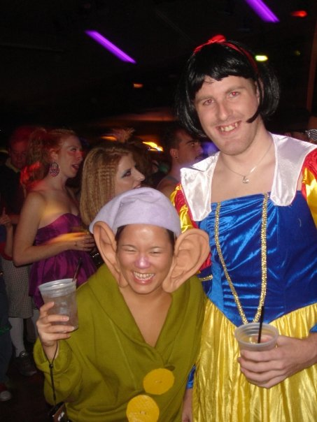 Snow White and Dopey  sc 1 st  I Love Nature & 16 Incredibly Creative Coupleu0027s Halloween Costumes u2014 I Love Nature