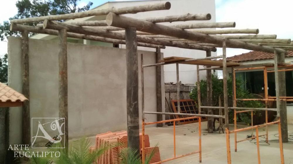 Cobertura em troncos de Eucalipto Citriodora Almirante Tamandaré  - Pr