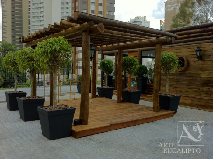 Pérgola compondo espaço Fitnes , Ecoville , Curitiba - Pr