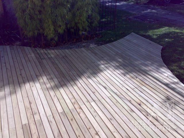 Deck em Eucalipto Autoclavado