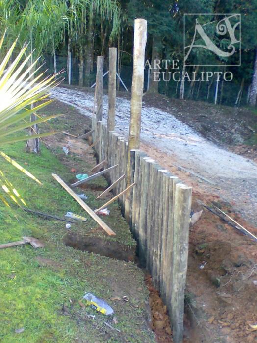 Arrimo em troncos de eucalipto Autoclavado , Sindicato , Colombo - Pr